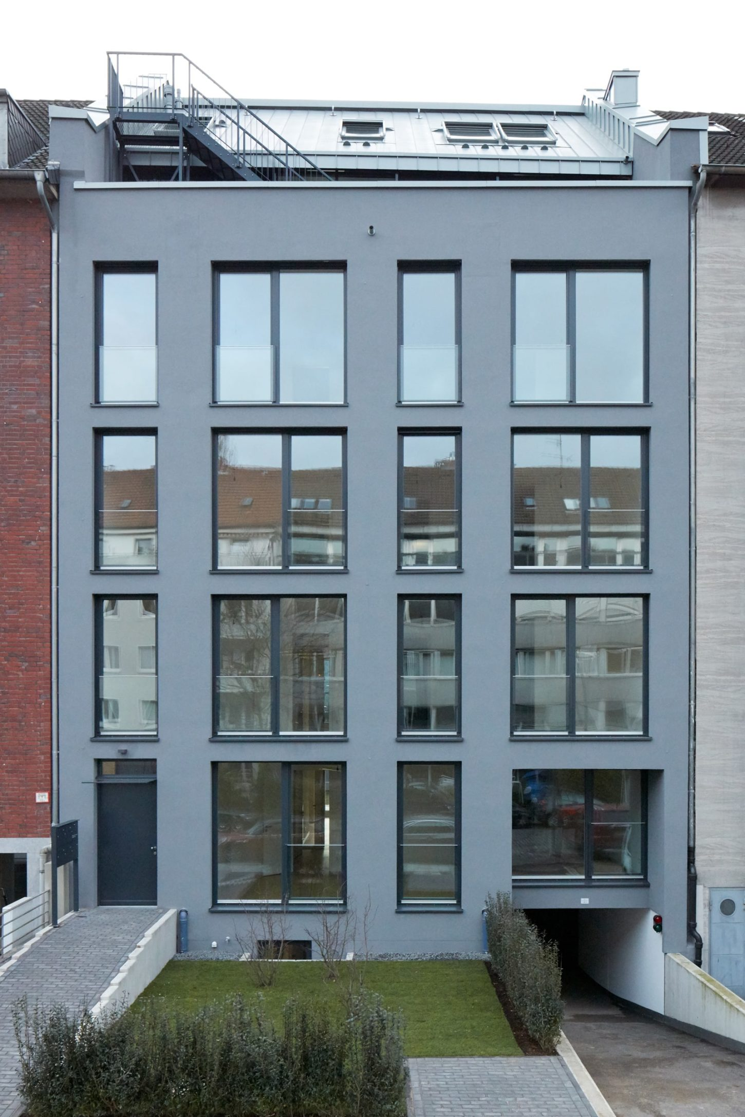 Aussen hui, Innen hui,Mehrfamilienhaus in Düsseldorf-Flingern